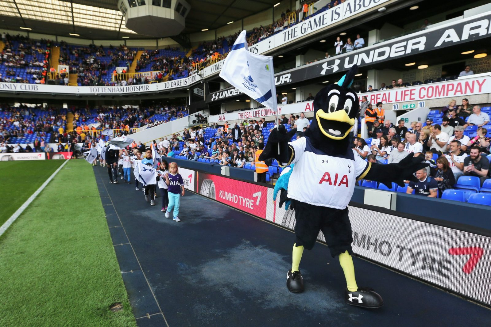 during the Premier League match between Tottenham Hotspur and Crystal Palace at White Hart Lane on August 20, 2016 in London, England.